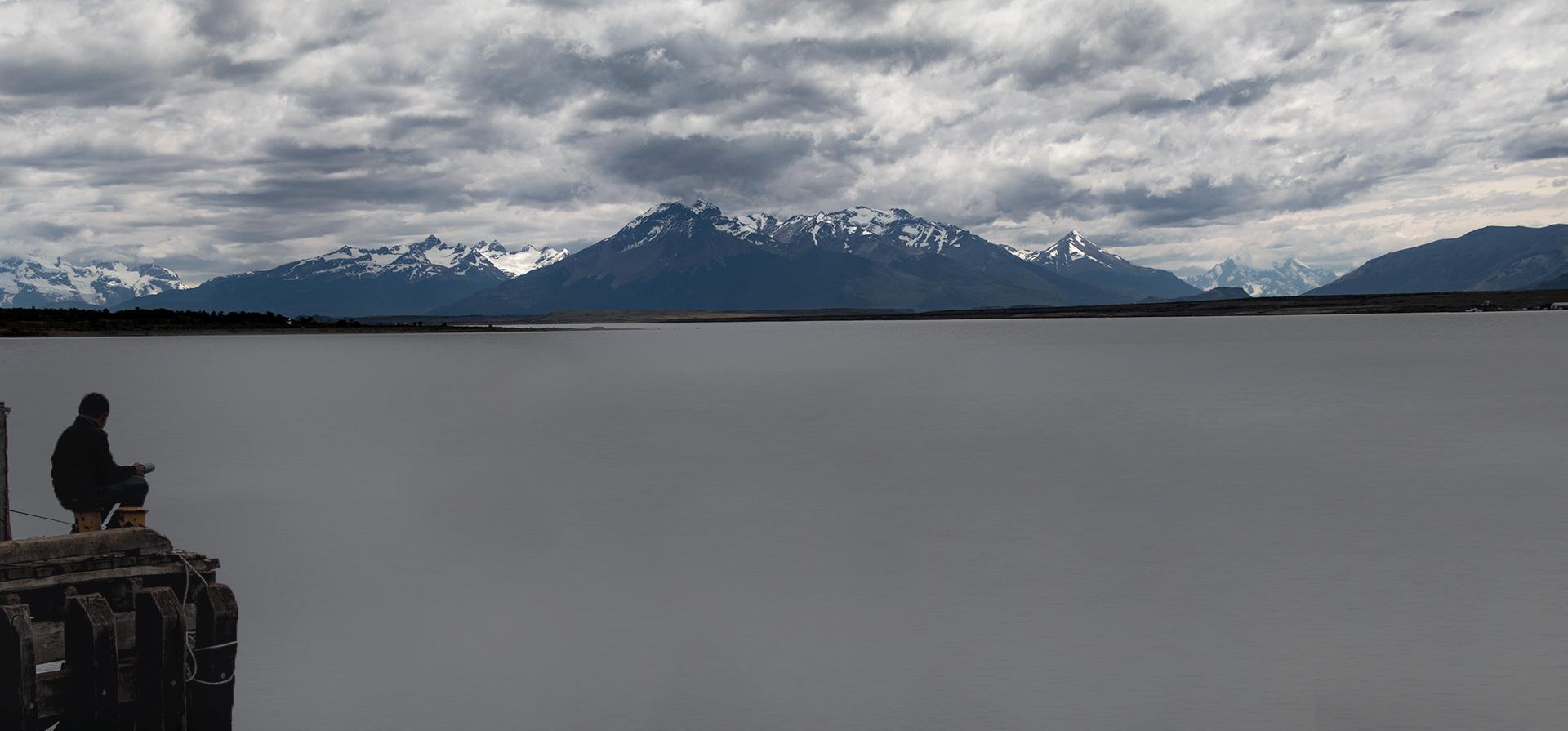 Fisher Puerto Natales Laguna