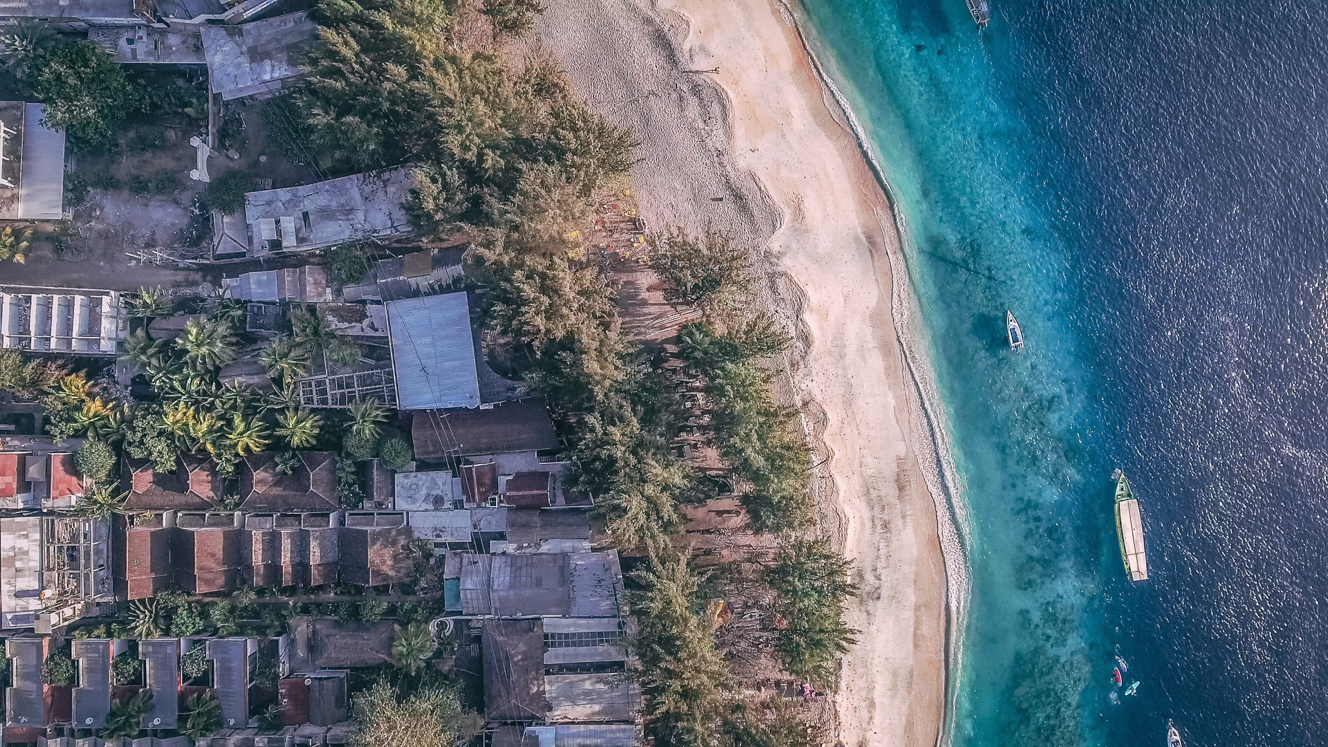 Gili from above after the 2018 earthquakes. Is it safe to travel to the Gili Islands after the 2018 earthquakes?