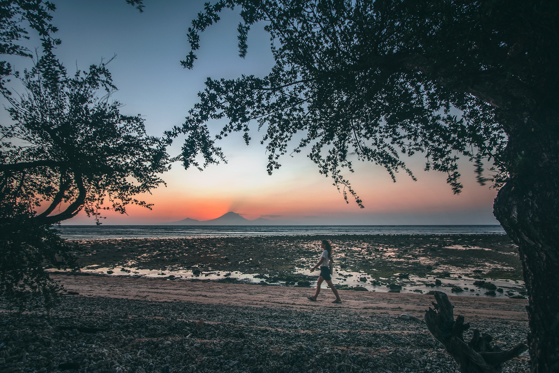 Sunset over Mount Agung, Gili Trawangan | Can I travel to the Gili Islands after the earthquakes?