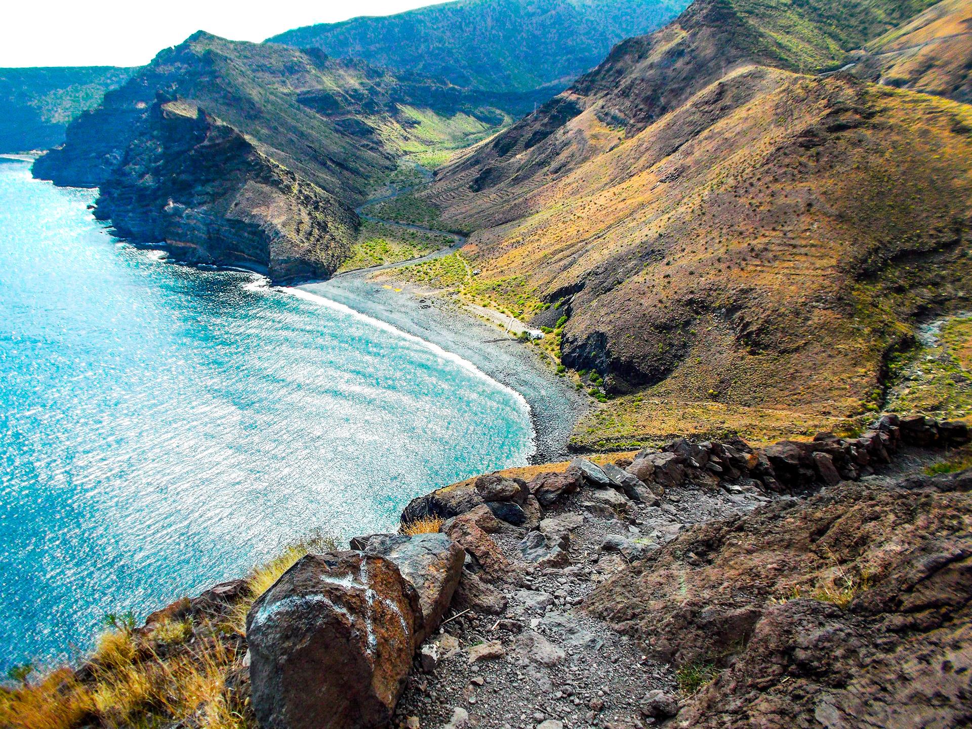 la gomera beach stones